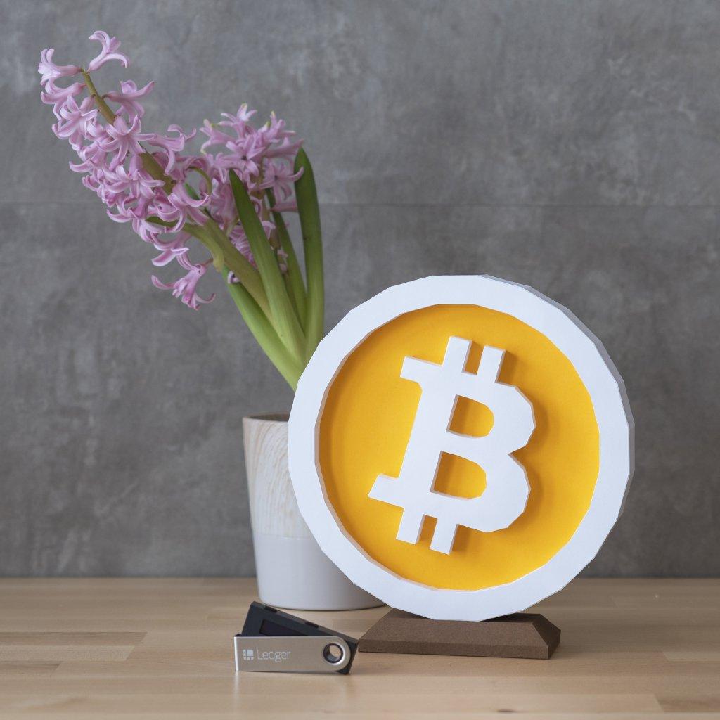 Bitcoin – papírový model