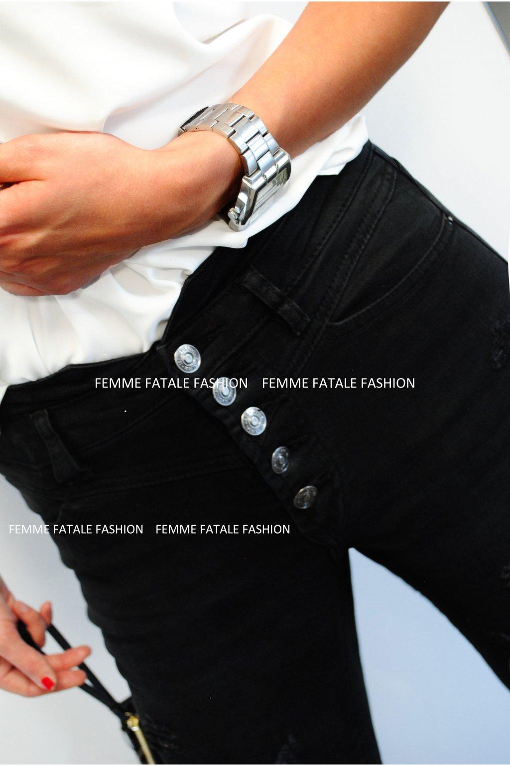 Černé trhané džíny s vysokým pasem