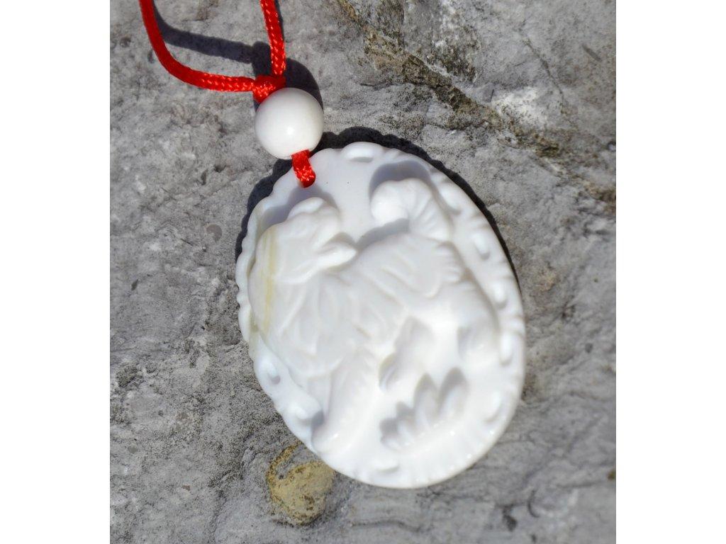 Přívěsek PES - mořský kámen