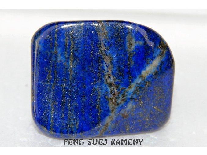 modrý lapis lazuli kámen