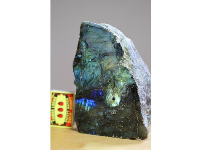 labradorit velký dekorativní kámen 6