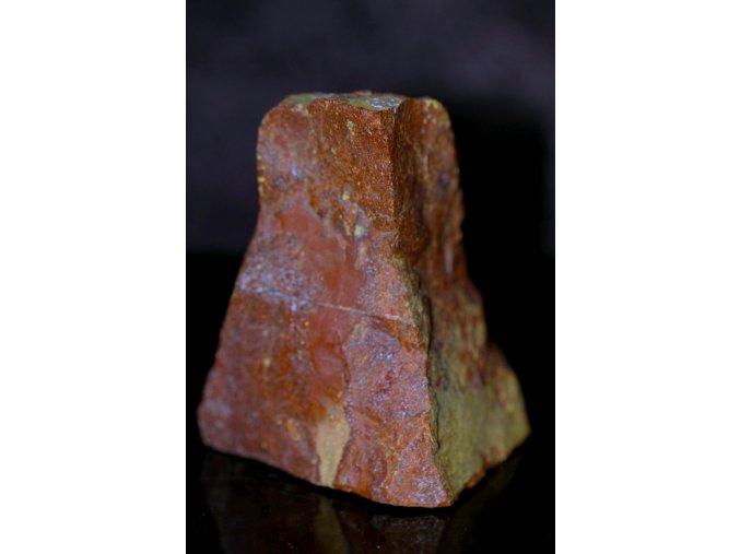 jaspis červený přírodní surový 7