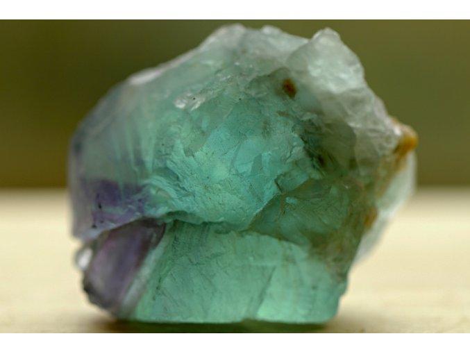 fluorit duhový surový přírodní 6