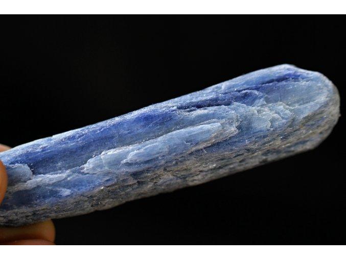 kyanit modrý disten velký 34