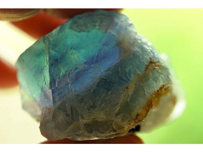fluorit duhový přírodní surový 8