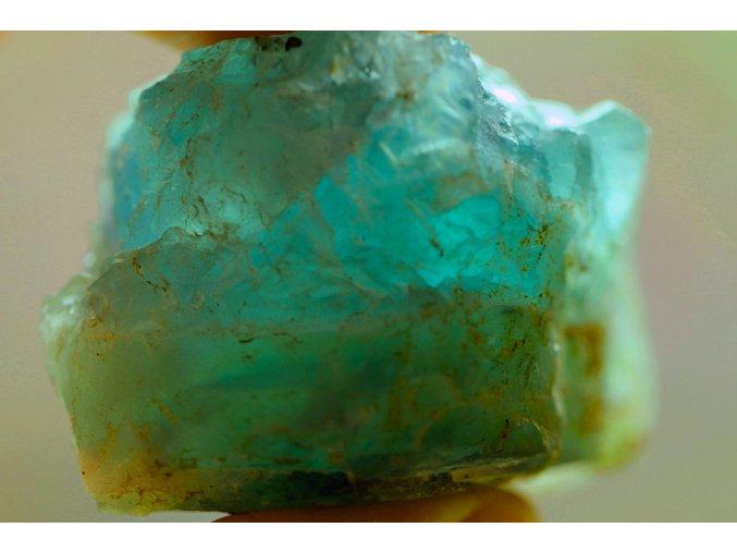 fluorit zelený přírodní surový 15