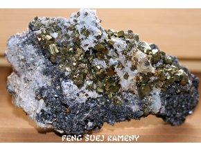 sfalerit pyrit chalkopyrit kříšťál 5