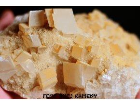 kalcit žluté krystaly 6
