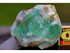 kalcit zelený velký surový masívní přírodní 23