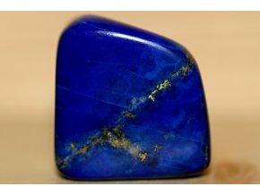 lapis lazuli s pyritem 17
