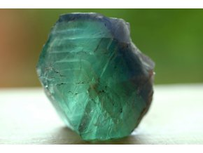 fluorit duhový přírodní surový 19