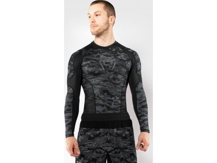Rashguard Venum Defender - Long Sleeves - Dark Camo