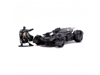 Justice League Hollywood Rides Diecast Model 1/32 Batmobile with Figure --- DAMAGED PACKAGING Jada Toys