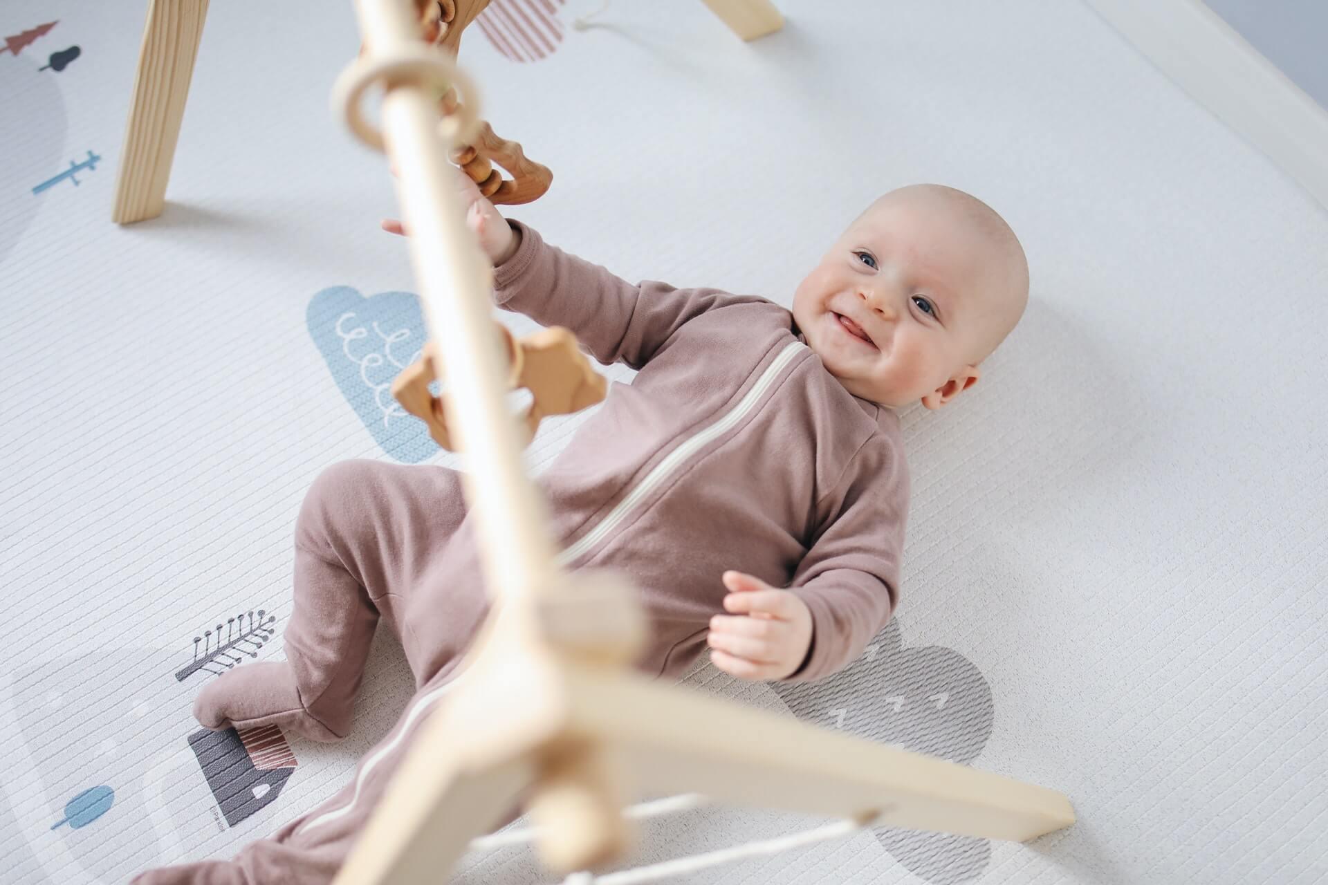 Hračky pre bábätká – ako pomáhajú k správnemu vývoju?