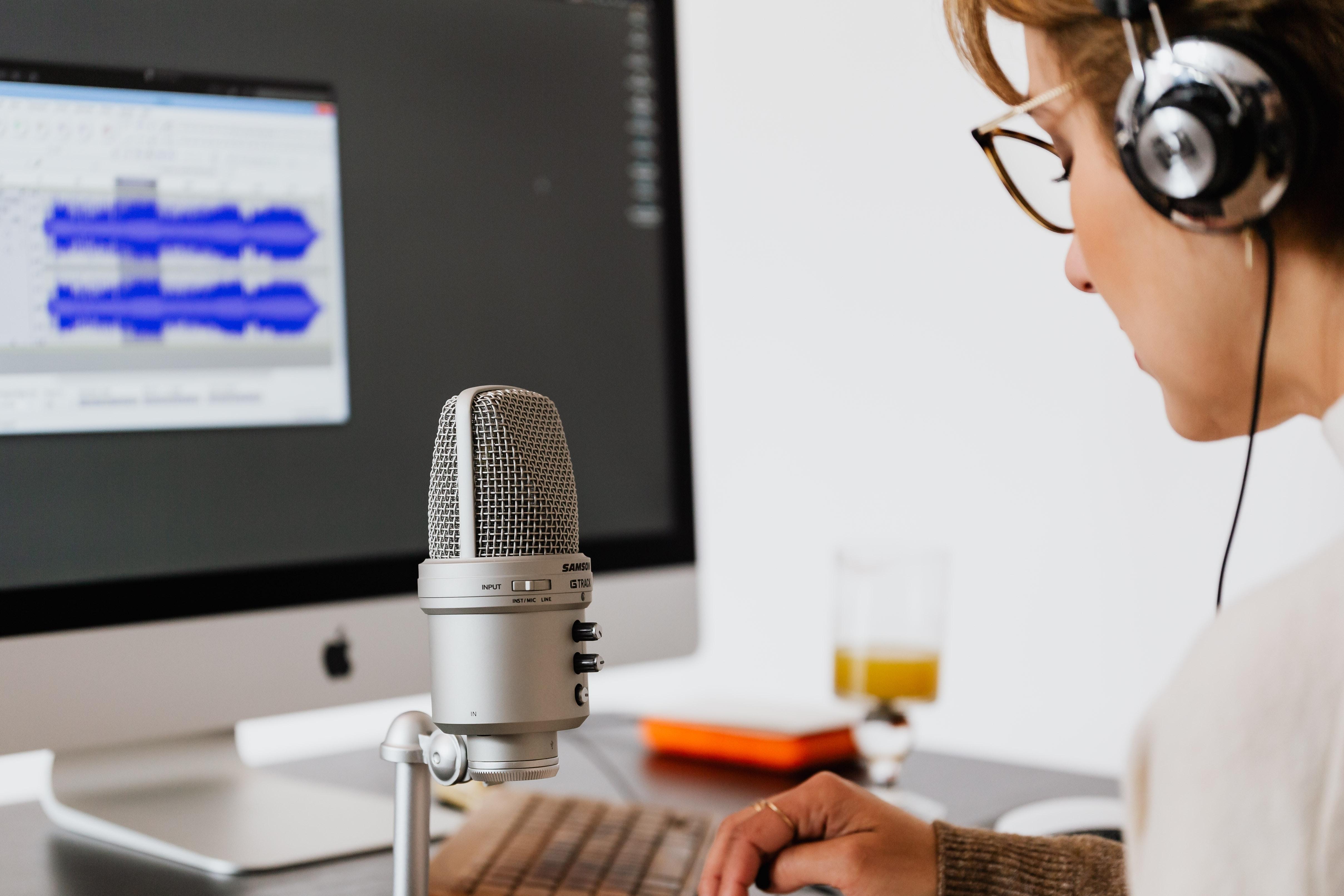 Jak připojit mikrofon k počítači?