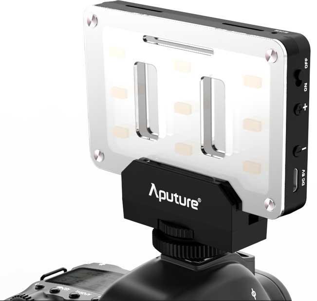 film-technika-aputure-amaran-al-m9-opravdu-malé-kamerové-led-světlo-universální-adaptér