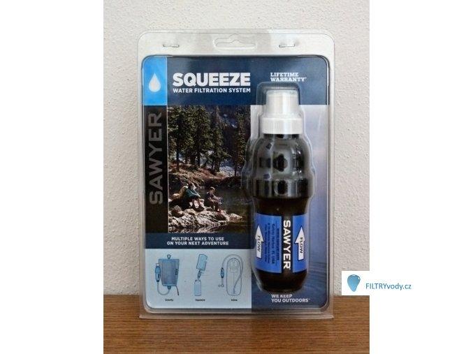 Sawyer Squeeze s nástavcem k vodovodu, pítky, vykružovadlem