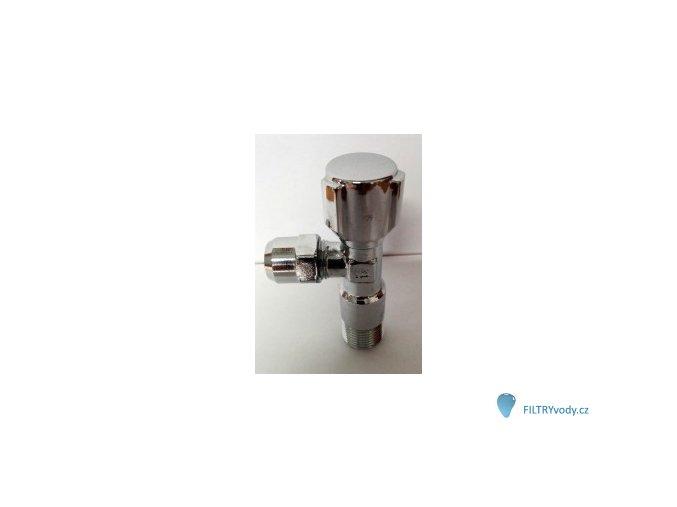 Připojení P6 k vodovodu pod dřezem, filtr stojí na lince