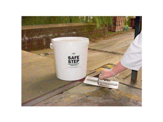Betonová opravárenská suchá směs