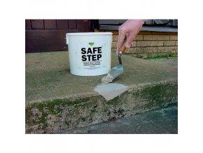 Extrémně pevná epoxy betonová opravárenská hmota