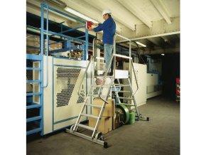 Pojízdný hliníkový plošinový žebřík, 2 x 5 stupňů