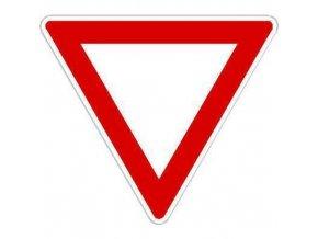 Dopravní značka Dej přednost v jízdě (P4)