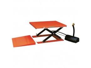 Hydraulický zvedací stůl s přístupovou rampou, do 1 000 kg, deska 145 x 114 cm