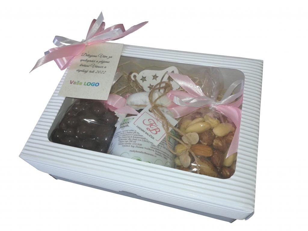 Malý balíček s růžovou mašlí