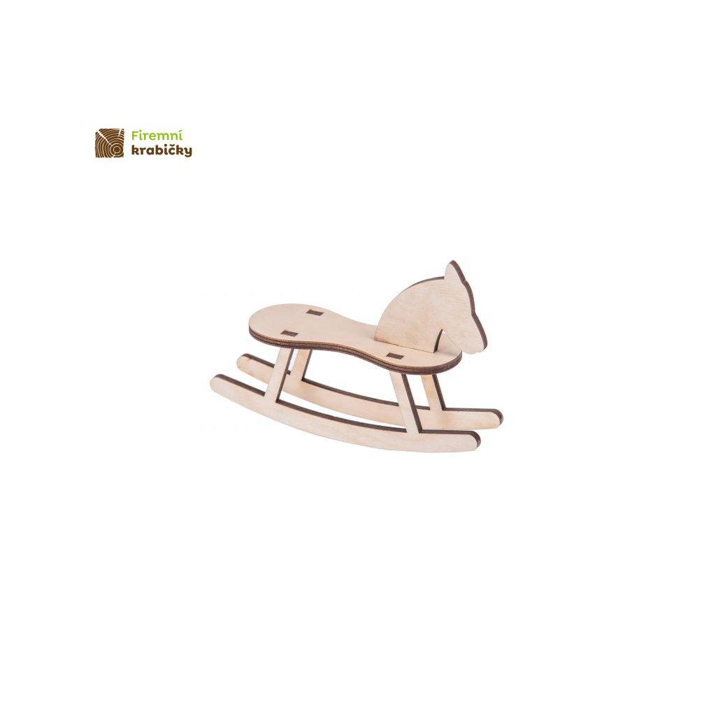 drewniany kon na biegunach 5