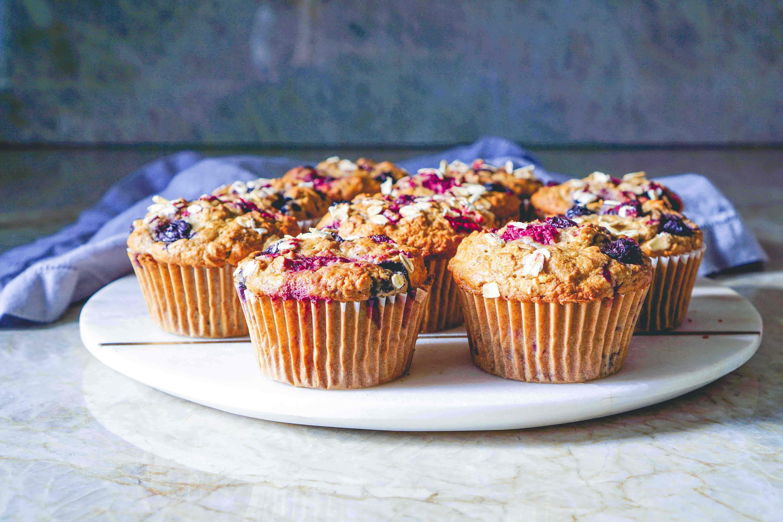 Ovesné muffiny s borůvkami a malinami