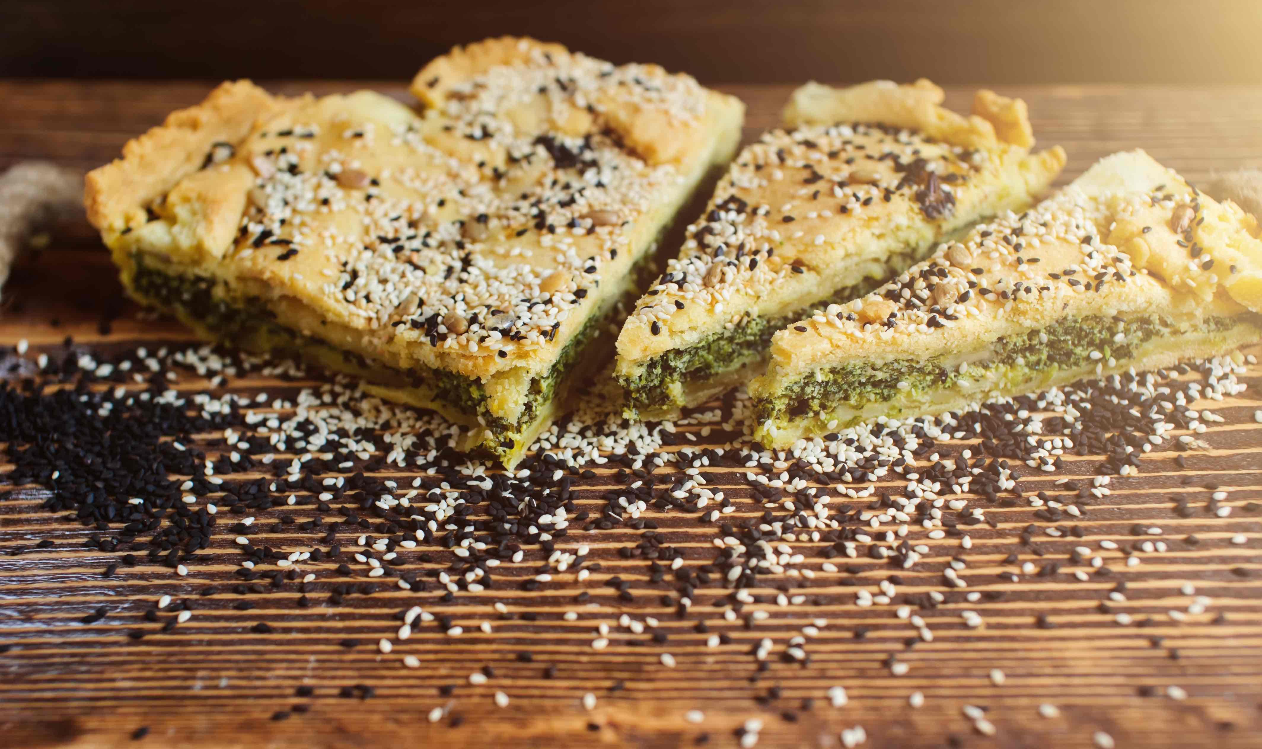 Brokolicový koláč se sezamovými semínky