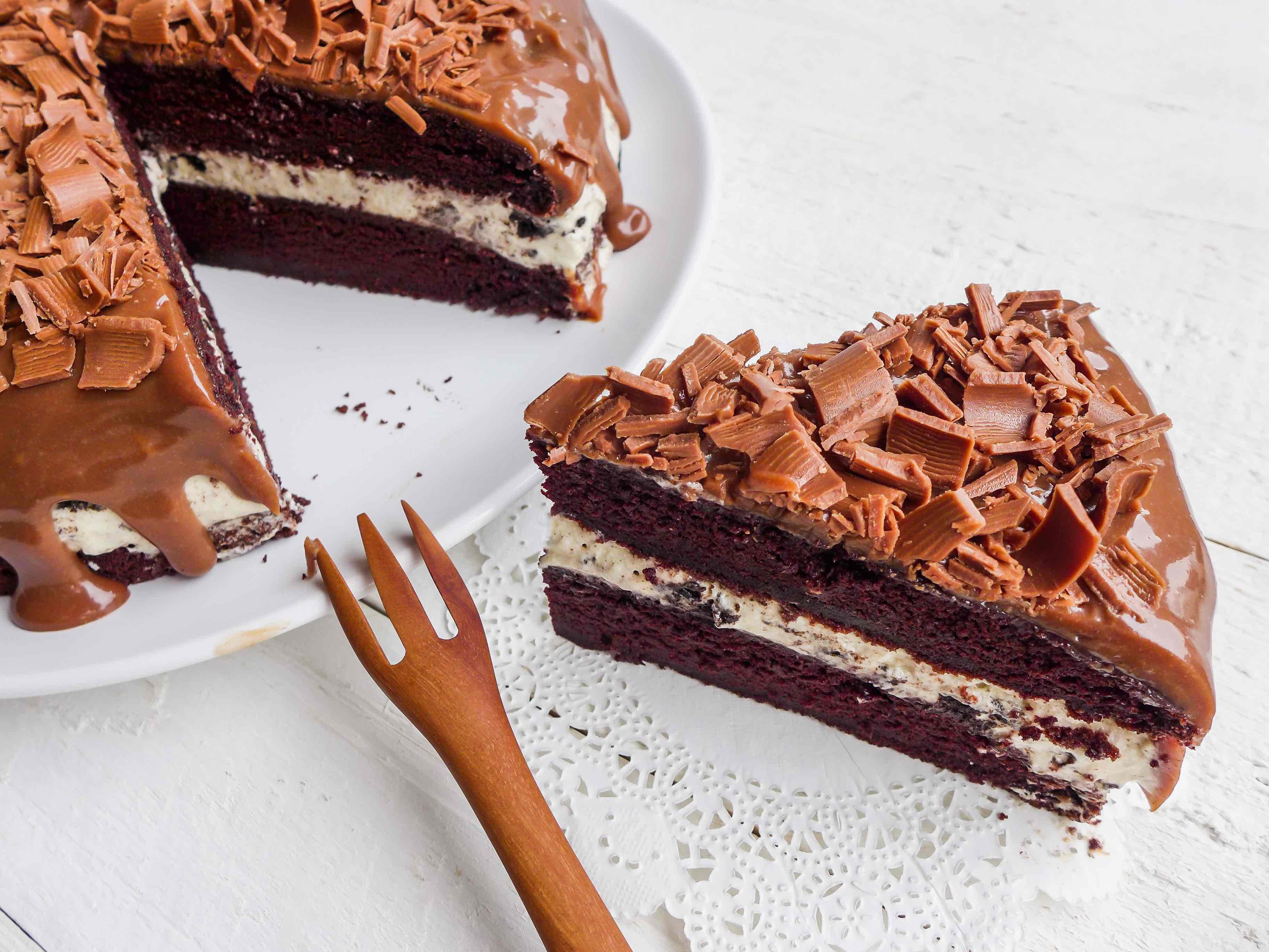 Čokoládový dort s karamelem