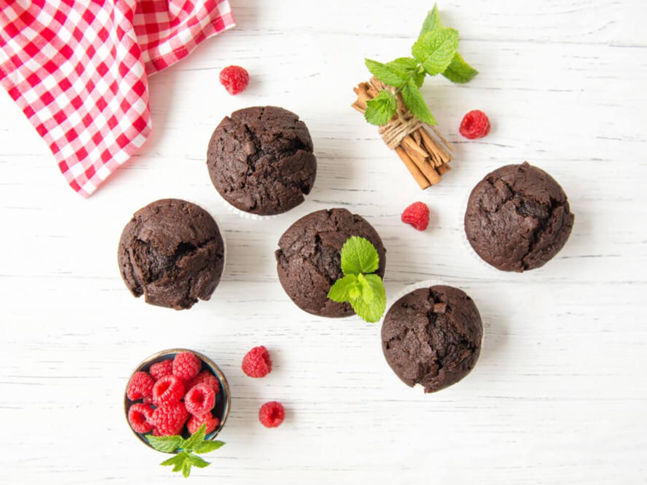 Lyofilizované ovoce, čokoláda, protein a dvouminutová příprava: Ochutnejte nový Fit-day mugcake
