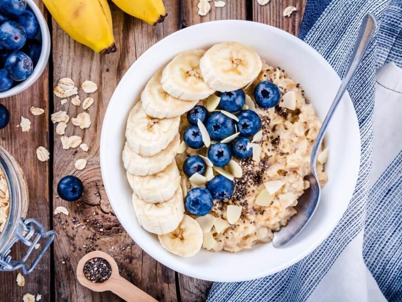 Začněte den chytře a zdravě: Proteinová ovesná kaše na snídani
