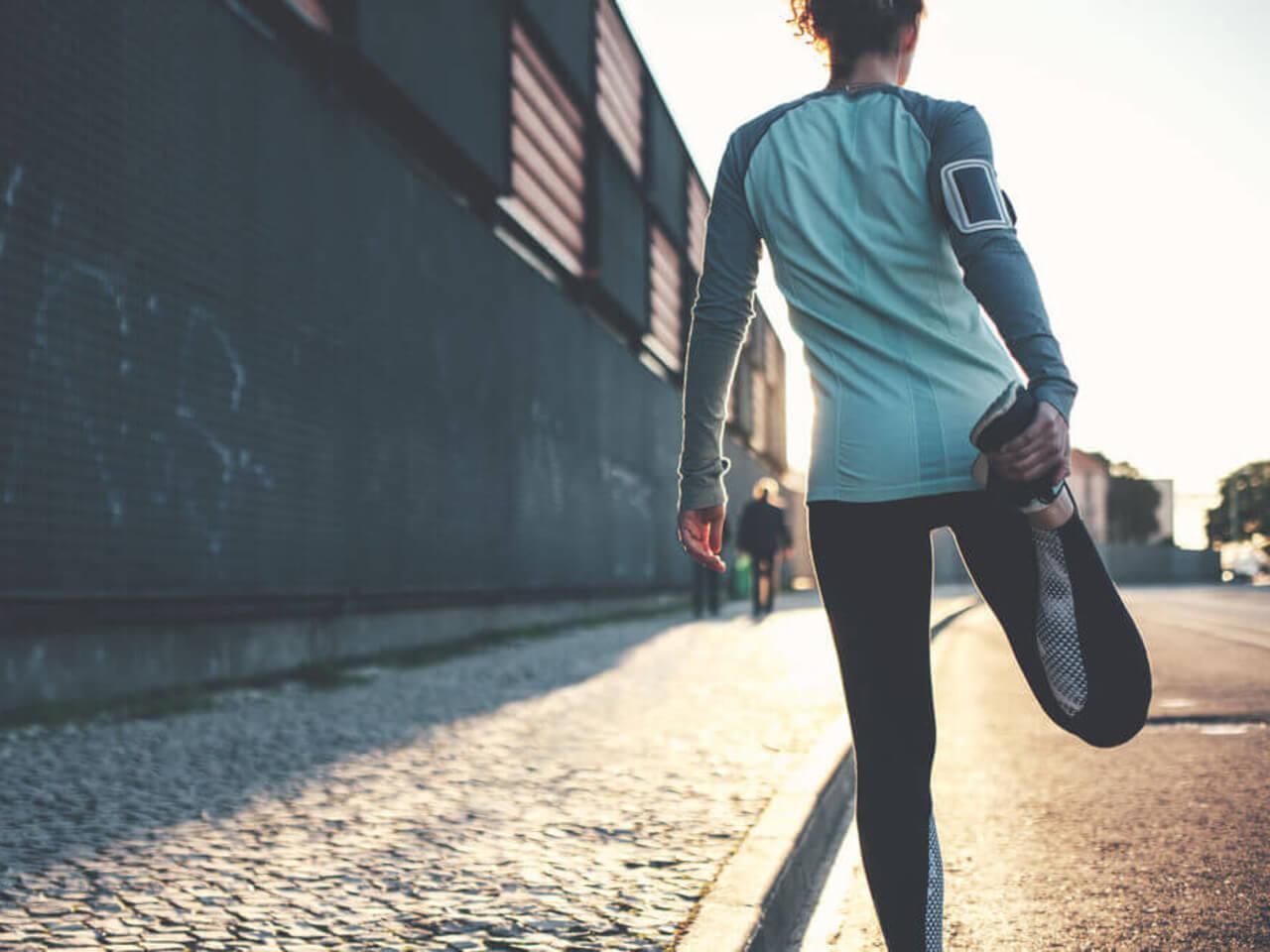 Běžecké základy: Rozcvičte se a protáhněte před tréninkem i po něm