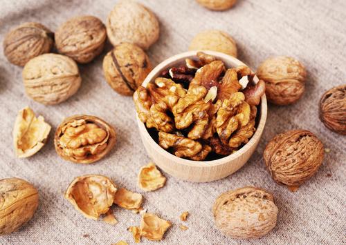 Vlašské ořechy a jejich vliv na zdraví