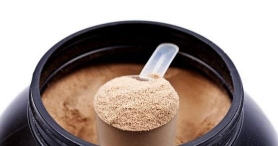 Jak vybrat kvalitní protein a jaký je rozdíl mezi koncentrátem, izo nebo hydro?