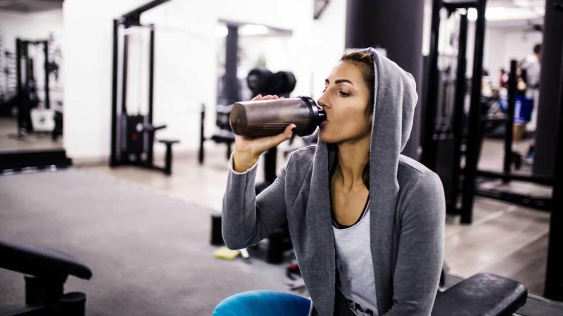 Nepijte ze zapáchajícího shakeru. Aneb proč váš shaker tak strašně páchne?