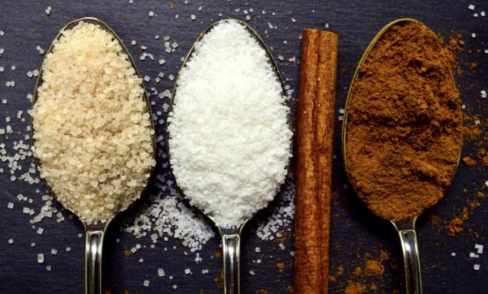 Jak nejlépe nahradit bílý cukr? Mlsejte  s námi zcela bez cukru ...