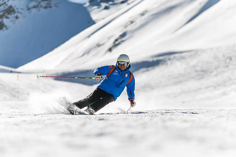 sportove-hodinky-na-lyzovanie-01