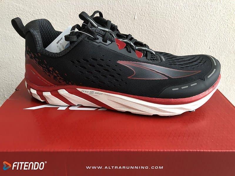 altra-torin-4-black-red-01