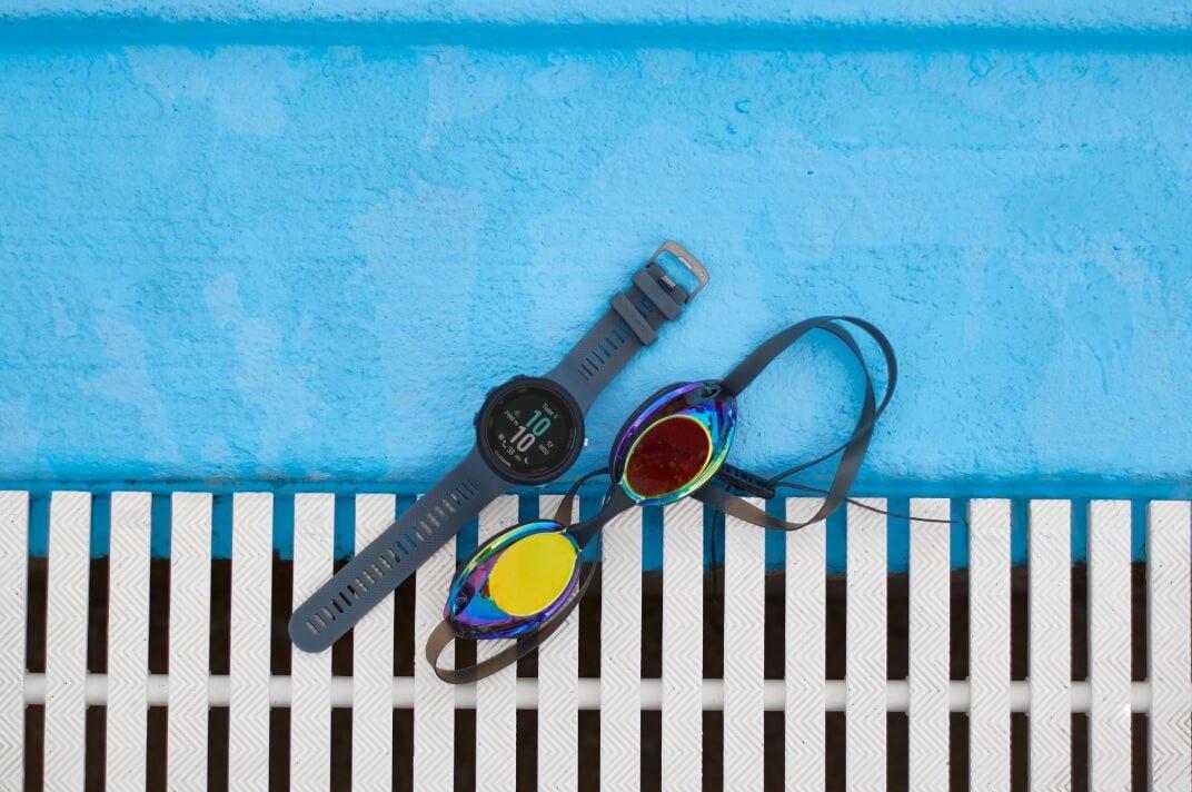 garmin-swim-2-slate-pool-01