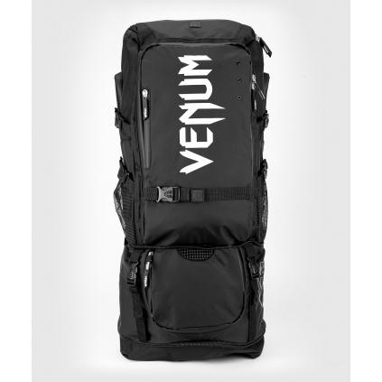 batoh venum challenger extreme pro evo black white 1