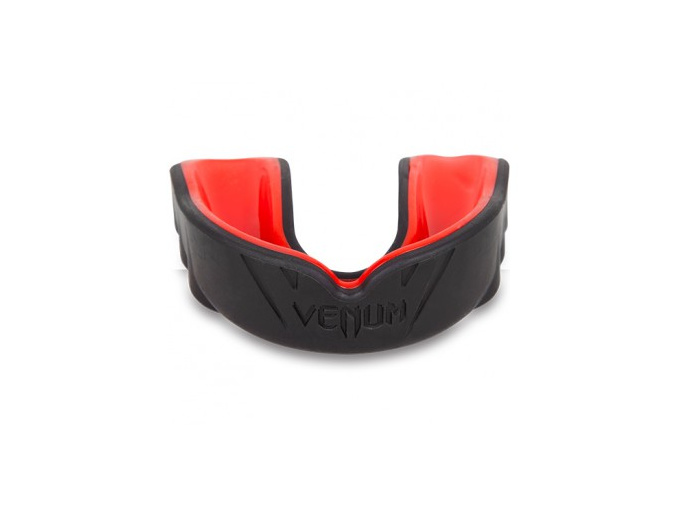 mouthguard challenger red devil 500 03