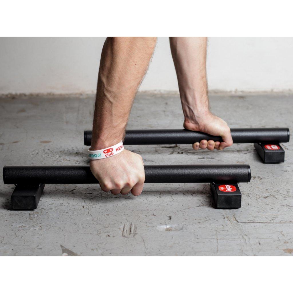Prodloužené mini kovové stálky WOCUB STALKY XS PLUS české výroby. Ideální pro kliky, stojky, planche. Známe jako paralety, parallettes, mini bradla, nízké bradla, gymnastické bradýlka.