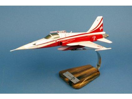 F-5E TIGER, ruční výroba