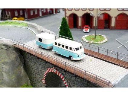 CARSON VW T1 Bus Samba s přívěsem 1:87 PROPORCIONÁLNÍ