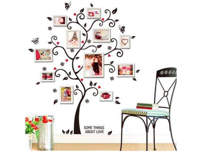 Samolepící dekorace na zeď ve tvaru stromu