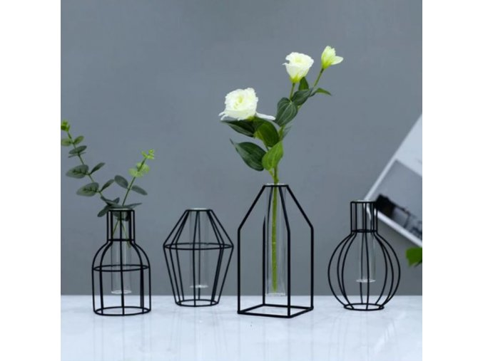 Dekorace - váza - dekorativní kovová černá váza v menší velikosti - dekorace - výprodej skladu