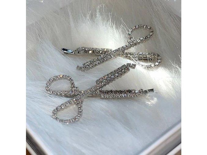 Vlasy - účes - ozdobná sponka s kamínky ve tvaru nůžek - nůžky - dárky